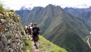 CHOQUEQUIRAO TREK TO MACHU PICCHU - CACHORA