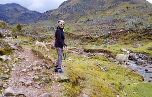 LARES VALLEY TREK - HUACASI