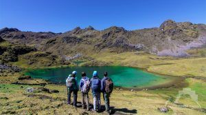 LARES TREK - QUEUÑAQOCHA LAGOON